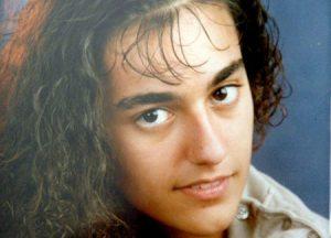 Sì ciao Eluana, ho scelto questa tua immagine perché quel tuo bel viso, quegli occhi tristi resti nel nostro affettuoso ricordo