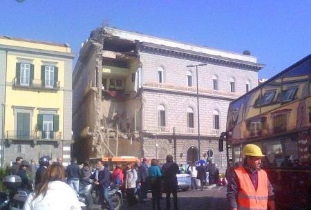 Crollo del Palazzo alla Riviera di Chiaia