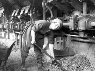 donne-prima-guerra-mondiale-25_fabbriche_640