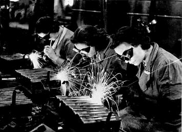 i-donne_in_fabbrica